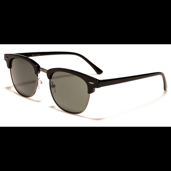 764db0ec858e6 Sunglasses NWT plus microfiber pouch